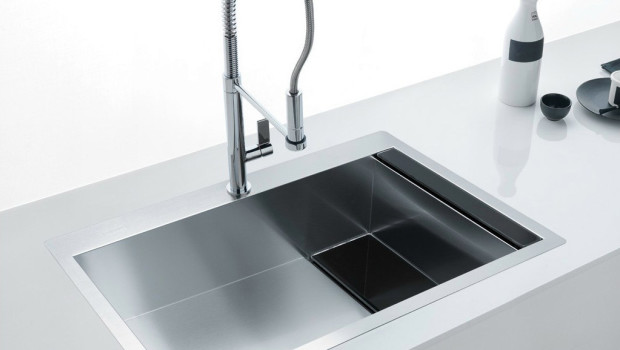 Lavello d 39 acciaio o in materiali alternativi arredamenti - Rivestimenti alternativi cucina ...